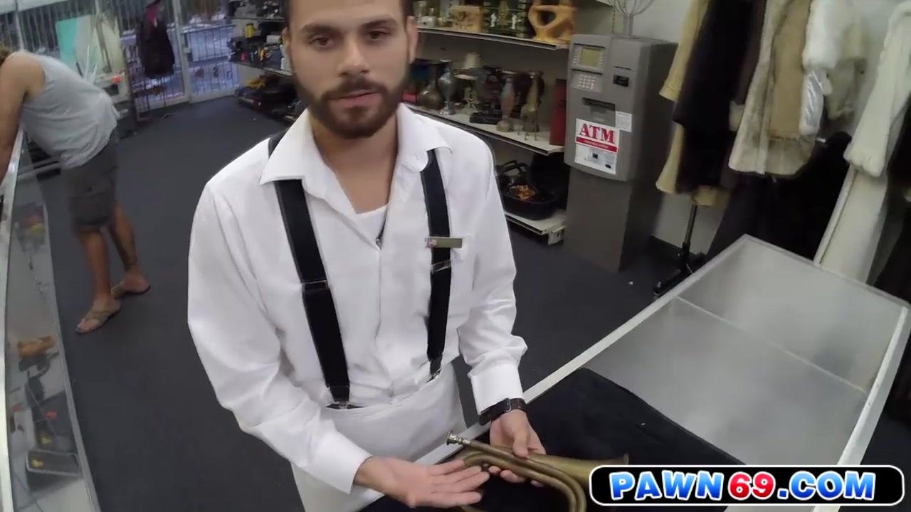 Straighty cocksucking pawnbroker for cash