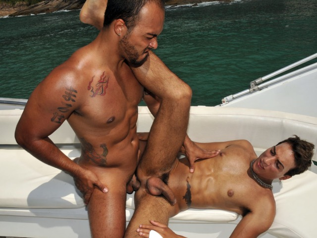 Sexy Gay Latino Men Bareback Sex