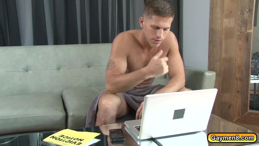 Twink anal fucks with big daddy for cash