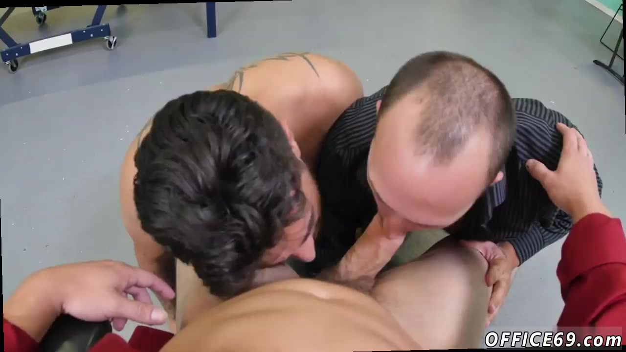 Straight Seduced By Woman Gets Sucked