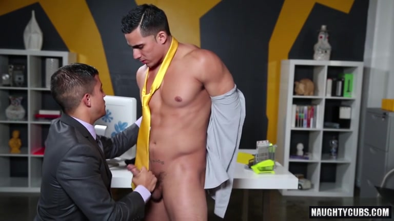 Large penis homosexual oral sex and cumshot