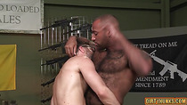 Muscle bear interracial with cumshot