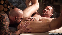 Big dick boyfriend bareback with cumshot