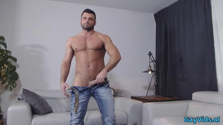 Large penis homosexual bj and cumshot