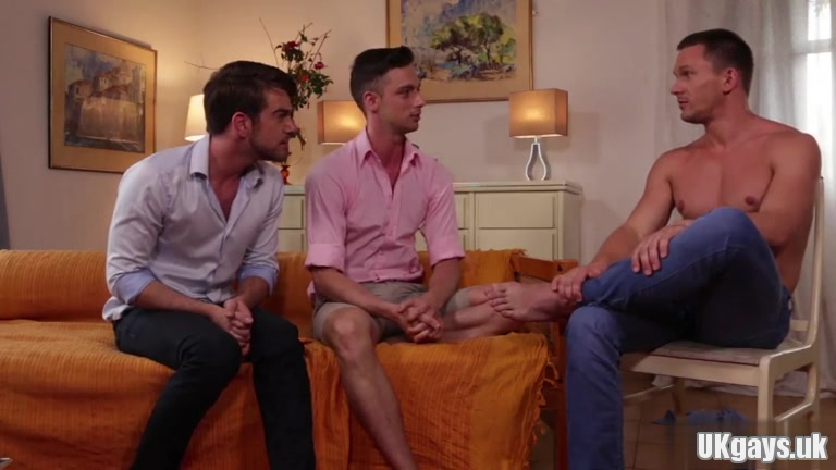 Muscle homosexual guys flip flop and facial