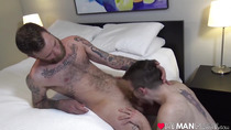 Inked alt stud toying FTM guys pussy until he orgasms