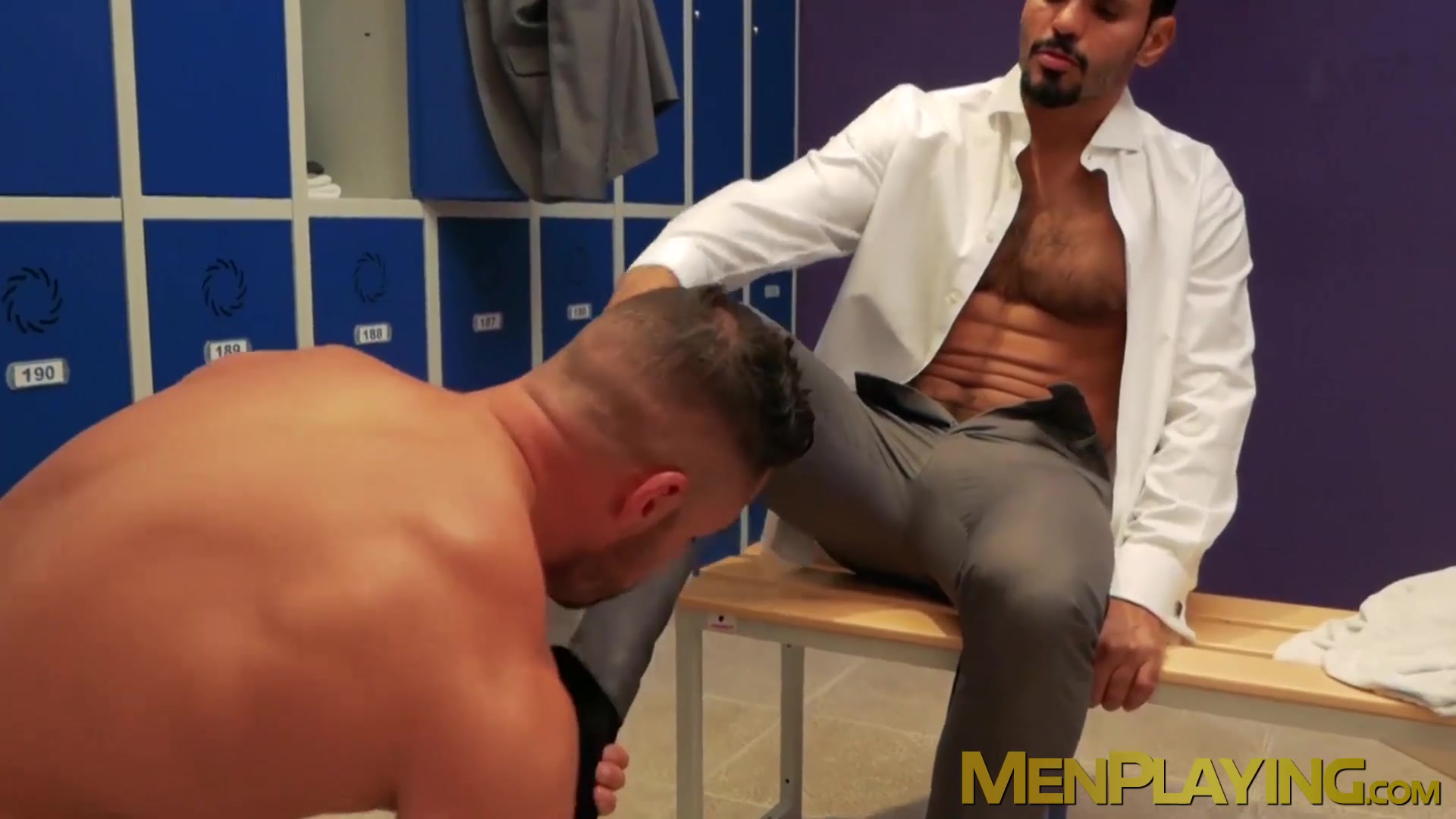 Musc.ly Porn muscly executive pounds his partner after wet cocksucking